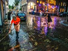 Straten blank, zandzakken paraat: 120 meldingen van wateroverlast na noodweer