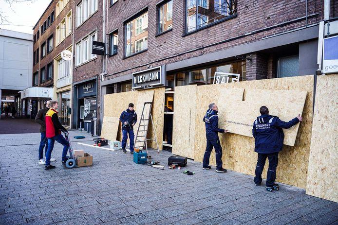 Ο επιχειρηματίας επικρίνει το εμπόριό του για φόβο πιθανών ταραχών στο Nijmegen.