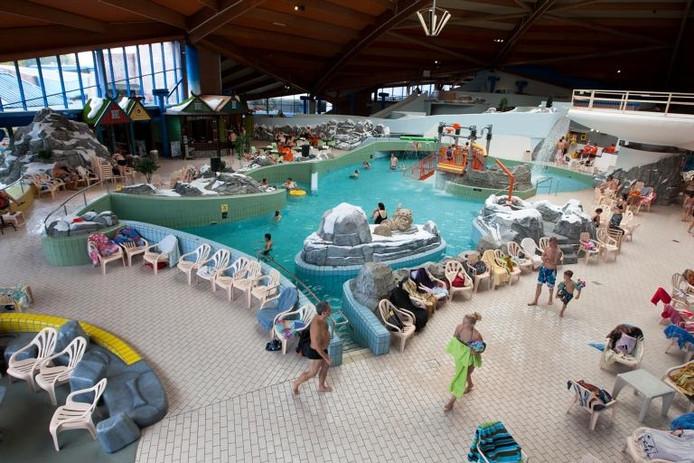 Zwembad De Scheg.In De Glijbaan Beschenen Door Het Noorderlicht Deventer