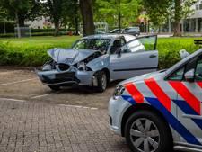Beroofd bij kopen wiet in Roosendaal: man (20) springt in auto dief met botsing tot gevolg