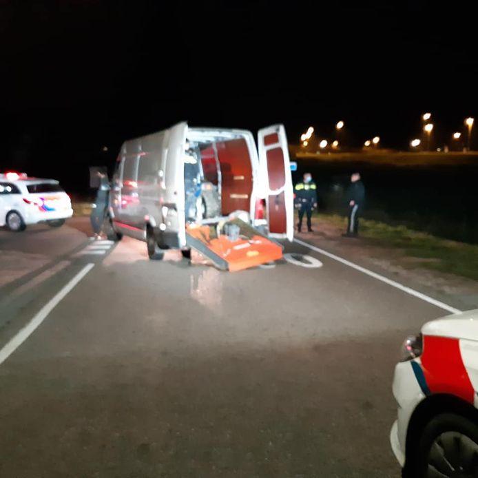 Inzittenden van Duits wit bestelbusje aangehouden op A50.