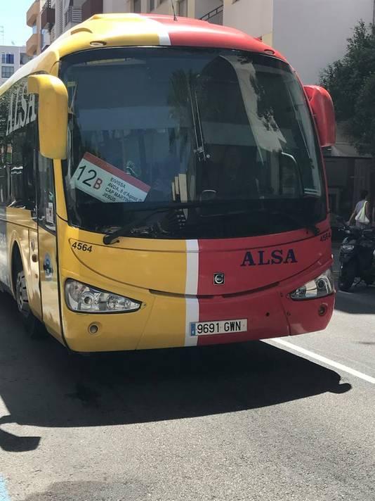 Een bus op Ibiza, Spanje