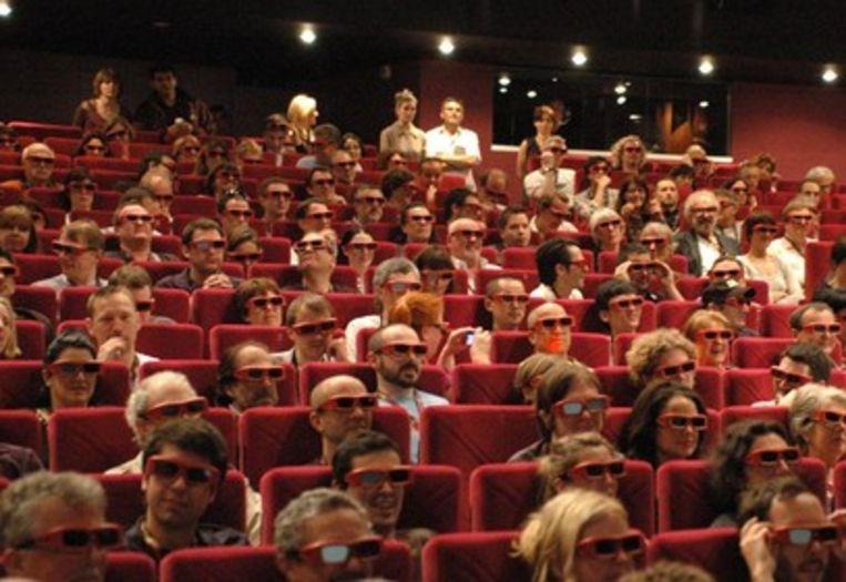 3D-brilletjes bij de premiere van 'Up' (Trouw) Beeld