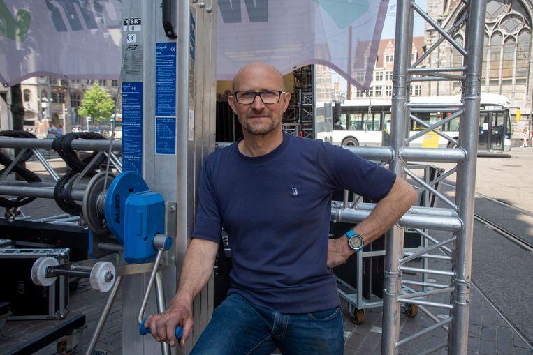 Jan Josephy bouwt met City Sounds Rent portieken aan de grote winkelstraten in Gent.