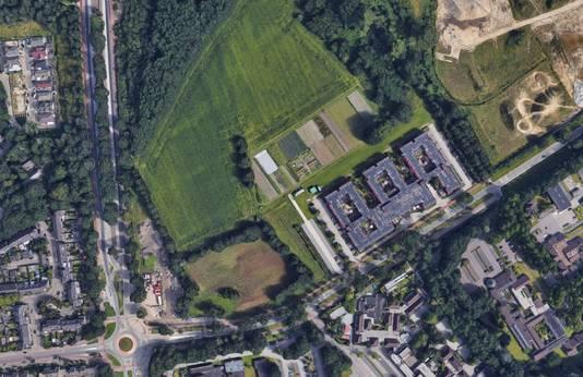 De Castiliëlaan in Eindhoven met hier nog het voormalige azc de Orangerie dat inmiddels is afgebroken. Hier moet met rijksgeld de bouw van zo'n 700 'tijdelijke' sociale huurwoningen mogelijk gemaakt worden.