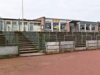 Oude kantine sportstadion maakt plaats voor vierde padelterrein
