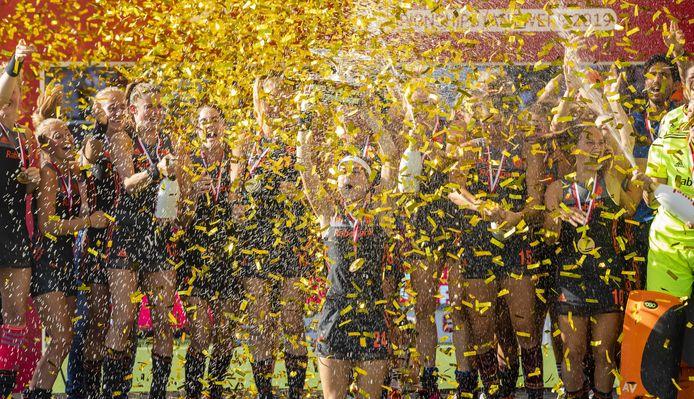 2019-08-25 17:46:29 ANTWERPEN - Eva de Goede viert het winnen van de EK-finale.