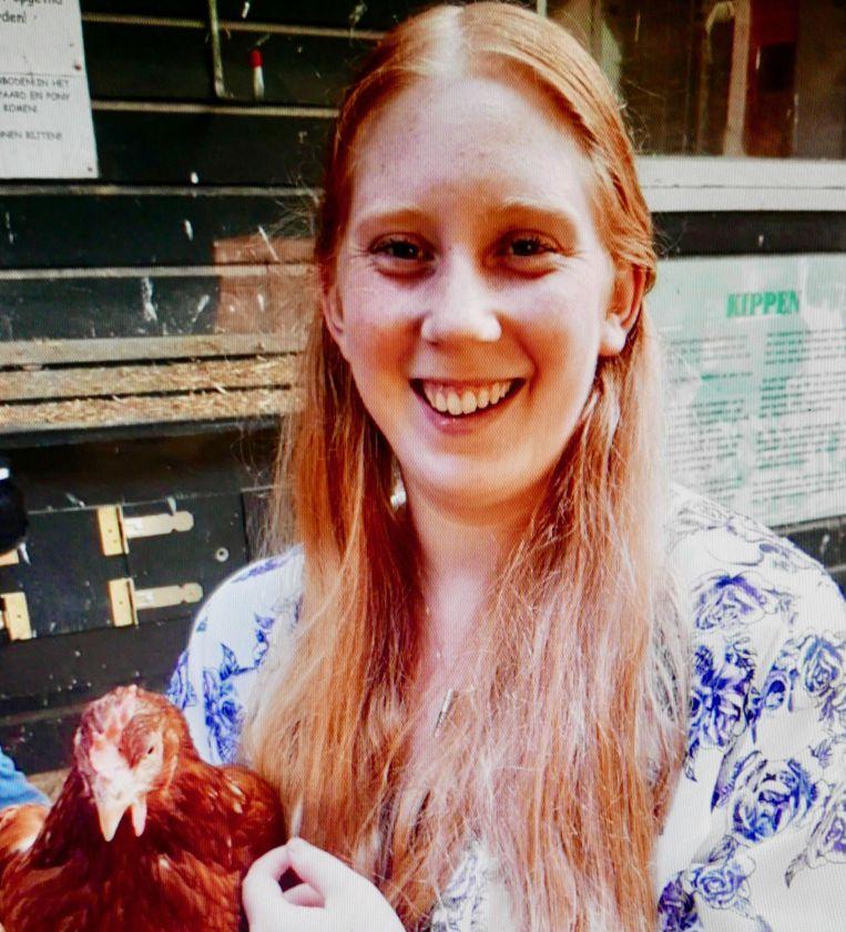De bijnaam van Kirsten Adema was 'kipje', zelf was ze dol op dieren maar vooral op kippen. Beeld Privé-archief