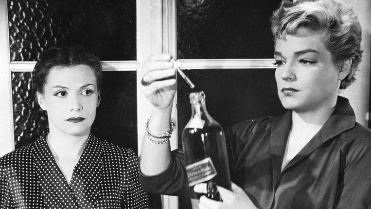 Véra Clouzot (links) en Simone Signoret in Les diaboliques van Henri-Georges Clouzot. Beeld