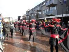 Weinig wagens, maar veel loopgroepen bij carnavalsoptocht Krullendonk