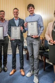 Onderscheidingen voor redden uit Delftse gracht: 'Ik dacht eerst dat het om een grap ging'