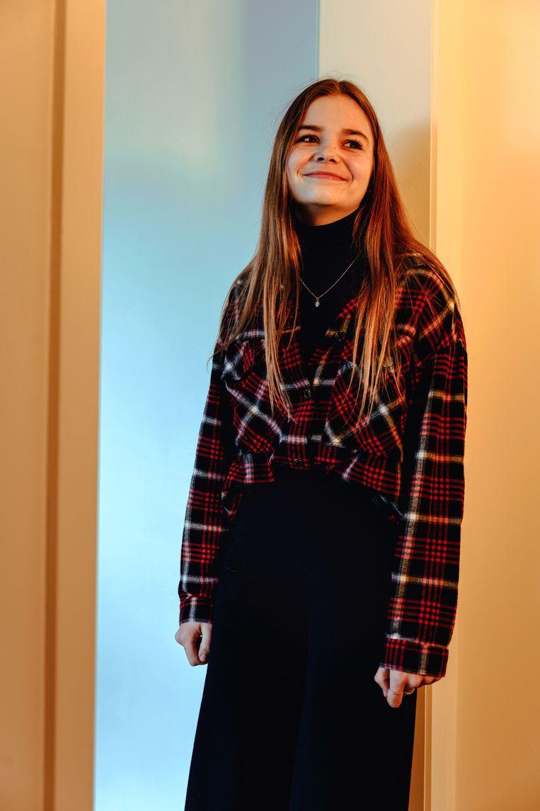 """Lore Serranne, 16 jaar: """"Je hoort al van 13-jarigen met onenightstands.Die hebben goede seksuele voorlichting nodig, of het worden rondlopende soa's."""""""