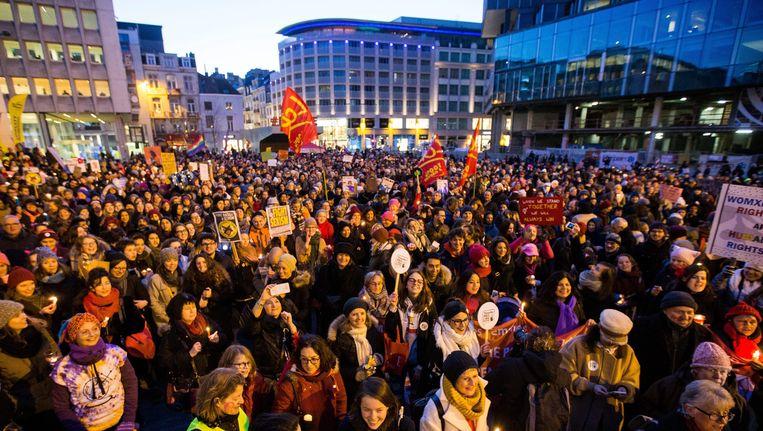 Ook in Brussel kwamen een dag na de inauguratie van Trump vrouwen op straat.
