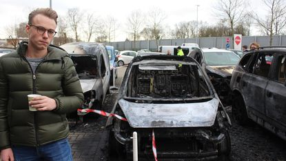 Zware autobrand op parking Vives tijdens examens