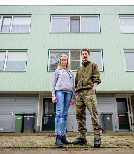 Nikki en Dave uit Enschede zoeken een huurwoning: 'meer dan driehonderd reacties voor één woning'
