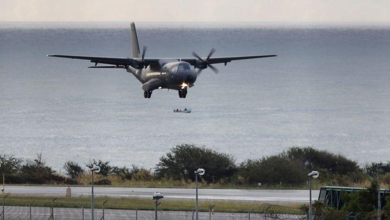 Dit vliegtuig van de Franse luchtmacht speelt een belangrijke rol in de zoekactie.