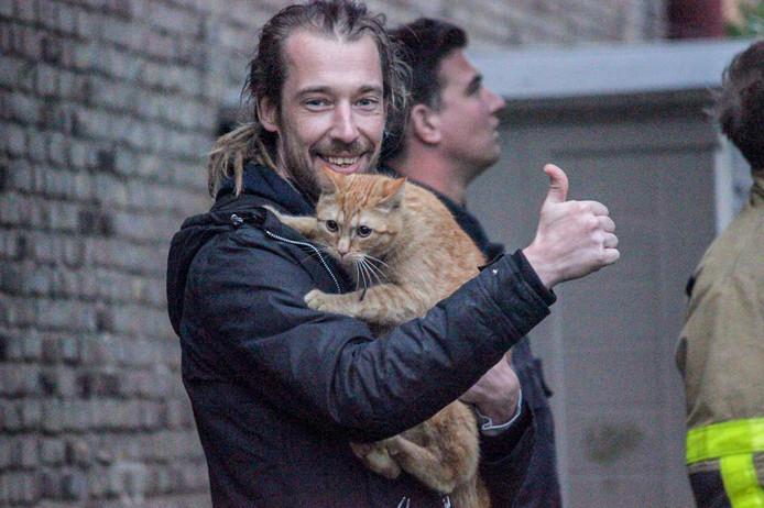 Kat Ollie en zijn baasje konden woensdagavond worden herenigd in Eerbeek