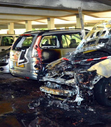 'Niets mis met laadpalen elektrische auto in parkeergarage'