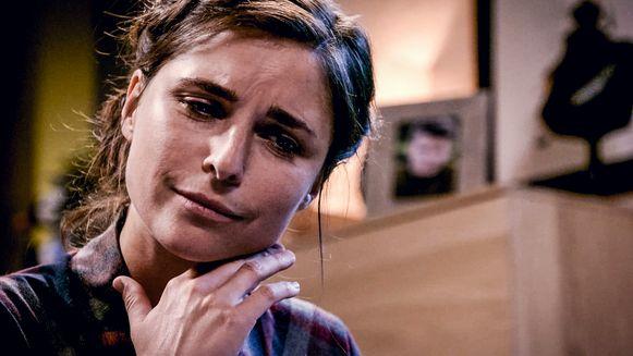 Marie (Lien Van de Kelder) ontdekt dat ze zwanger is.