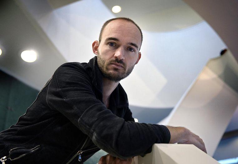 Kunstenaar Dries Verhoeven. Beeld Marcel van den Bergh