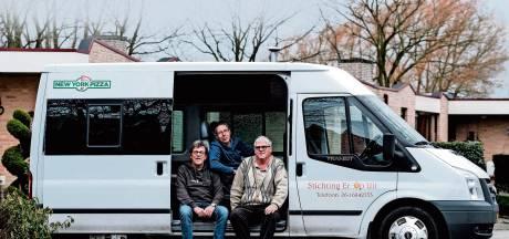 Busdienst Er Op Uit brengt minder mobiele oudere naar stembureau