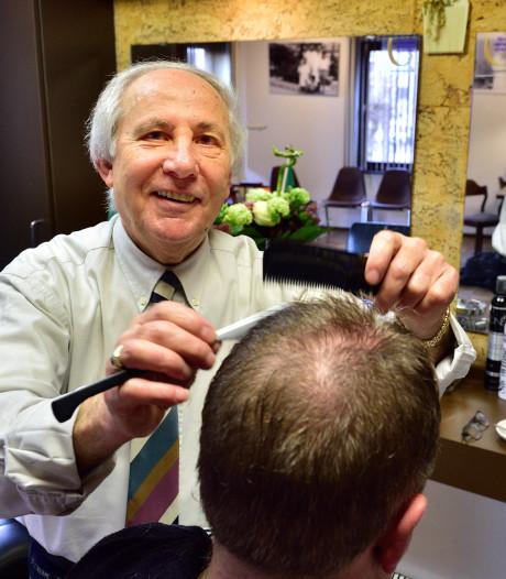 Kapper Angelo (75) denkt niet aan kappen: 'thuis zou ik me toch maar vervelen'