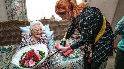 Buren organiseren verjaardagsfeestje voor  100-jarige Marie-Louise die geen familie heeft