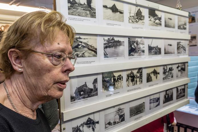 Hannie Huisman-Zwarts, zus van bij de Watersnoodramp nabij Klundert omgekomen soldaat Adrianus Zwarts.