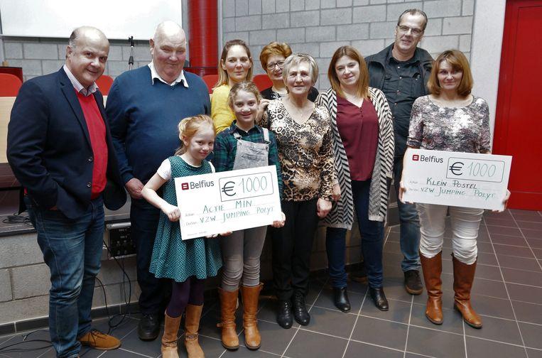 Er werden twee cheques van 1.000 euro uitgereikt.