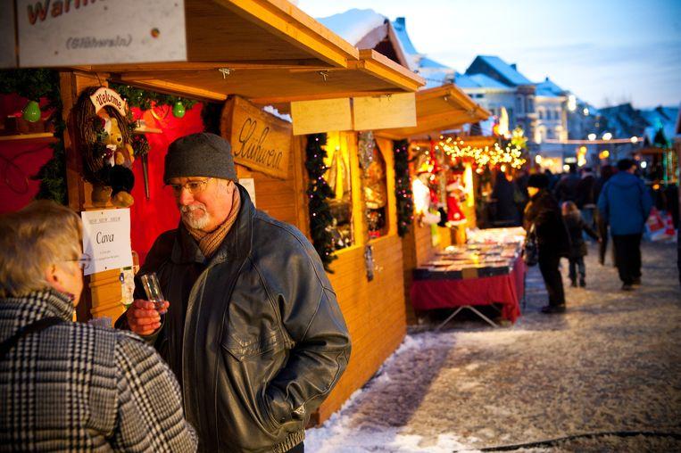 Kerstmarkt op de Grote Markt in Mechelen. Dit jaar slaat circus Ronaldo er de tenten op.