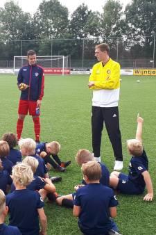 Feyenoord-speler Wouter Burger grote gast tijdens Jeugdvoetbaldagen SHO
