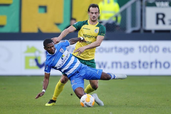 PEC Zwolle blijft door een pijnlijke maar terechte 3-0 nederlaag tegen Fortuna Sittard in de degradatiezone bivakkeren.