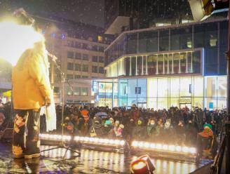"""Cultuurwereld voert actie op Muntplein: """"Hart onder de riem voor alle gemuilkorfde artistieke disciplines"""""""