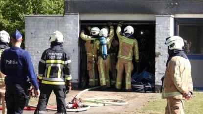 Brand richt aanzienlijke schade aan in garage: woning blijft gevrijwaard