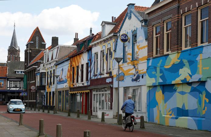 Slooppanden in de Nieuwstraat, het schoolmuseum met torentje blijft staan.