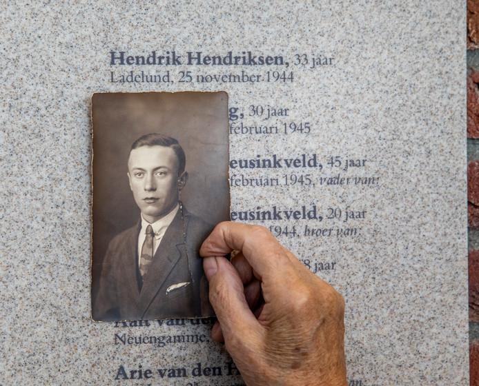 De vader Riet Ceelen-Hendriksen werd afgevoerd bij de razzia van Putten.