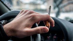 In Wallonië mag je niet meer roken in de auto als er kinderen bij zitten. Hoe zit het in Vlaanderen?