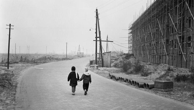 Nieuwbouw in Amsterdam-West, 1950. Na de oorlog breidde de stad zich snel westwaarts uit Beeld Dolf Kruger/Nederlands Fotomuseum
