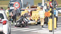 Politiemotor aangereden op kruispunt 't Vosken in Oombergen