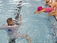 Extra zwemles voor kind van vluchteling