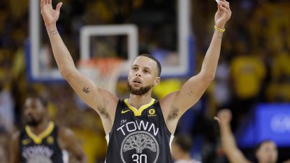 Golden State leidt met 2-0 in NBA-finale tegen Cleveland na driepunterfestival Curry