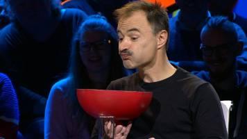 Vegetariër Dimitri Leue waagt zich niet aan het eten