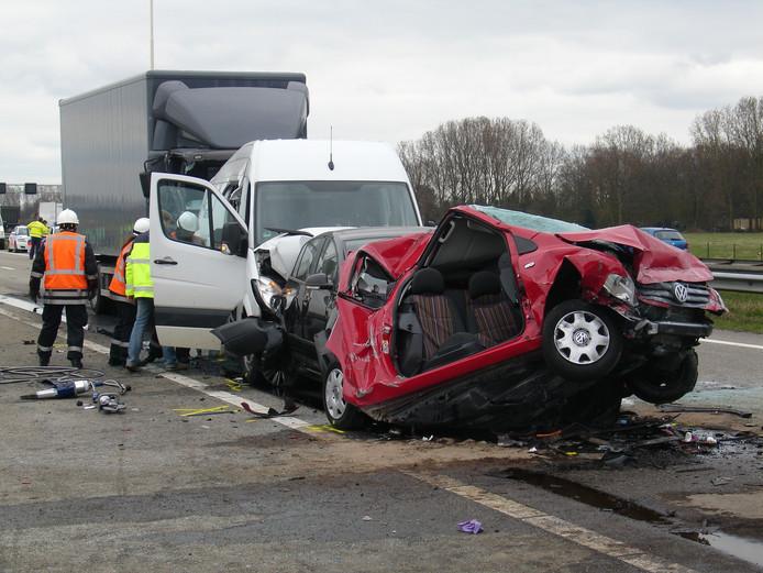 Een ongeluk op de A1. (Archieffoto)
