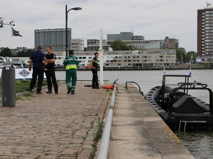 Dodelijke aanvaring op Nieuwe Maas in Rotterdam, schipper rubberboot is 46-jarige man uit Altena