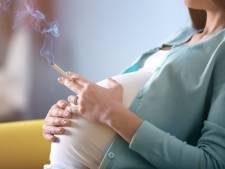 Trimbos: Minder zwangere vrouwen roken