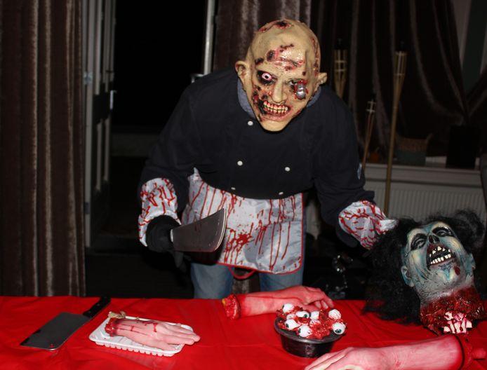 Boskoper Alex Lourier is momenteel een horrorversie van zichzelf.