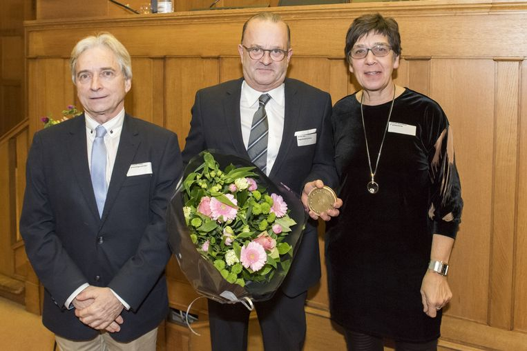 Waarnemend gouverneur Didier Detollenaere, Dirk De Nul van firma Jan De Nul en gedeputeerde Annemie Charlier.