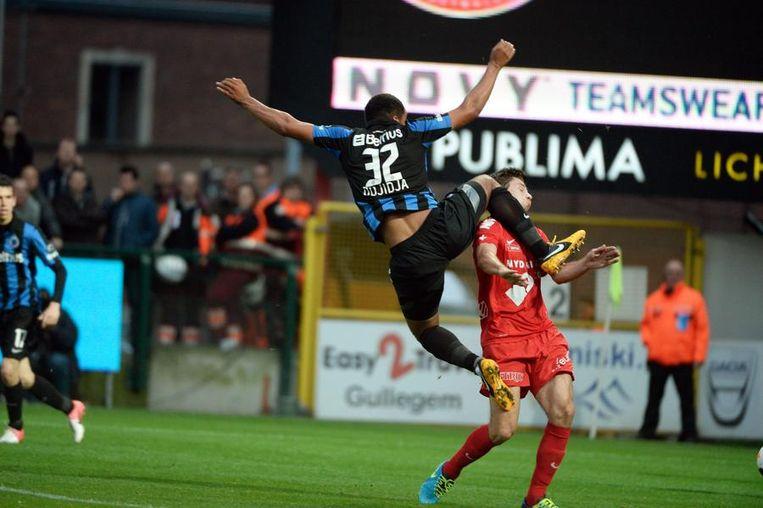 Odjidja kegelt De Smet omver: penalty!
