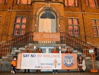 Ook Beersel vraagt aandacht voor geweld tegen vrouwen en laat gebouwen oranje kleuren