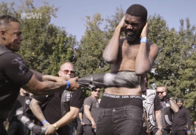 Screenshot uit de aflevering.